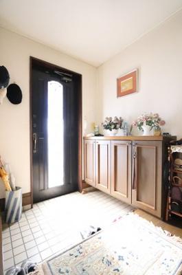 明るい玄関です 三郷新築ナビで検索