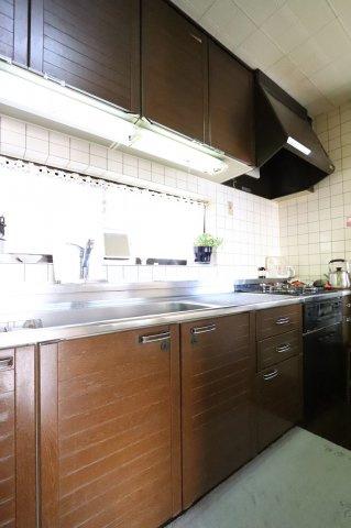 きれいなキッチンです 三郷新築ナビで検索