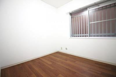 《洋室約3.8帖》実際に室内をご覧いただけます。お気軽にお問い合わせ下さい!