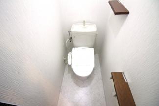 ウォシュレット付き便座は新調していますので、衛生面で特に気になる方でも安心して頂けます。