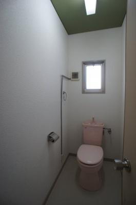 トイレにも窓付
