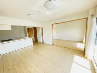 稲毛パークハウスD棟 ゆったりとした居間です