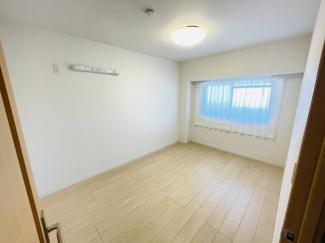 稲毛パークハウスD棟 個人の部屋や寝室として使える洋室です