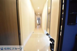 【玄関】ワコーレ神戸三宮トラッドタワー