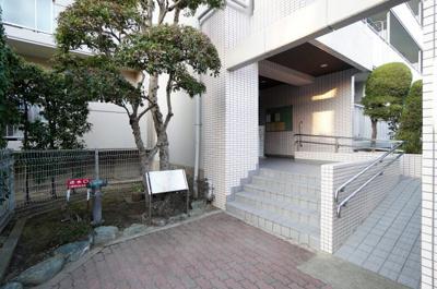 【エントランス】ルモン東川口壱番館