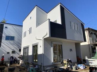 京成本線「東中山」駅徒歩9分の全2棟の新築一戸建てです。