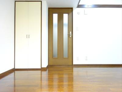 【居間・リビング】レザン浜田山