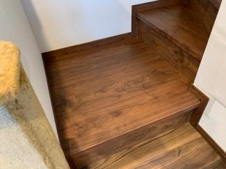 リビング階段の踏み板部分です。