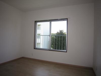洋室4.5帖(窓側)
