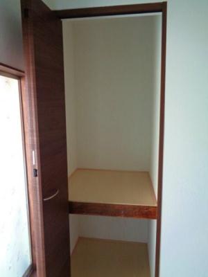 2階 洋室3.5帖 収納