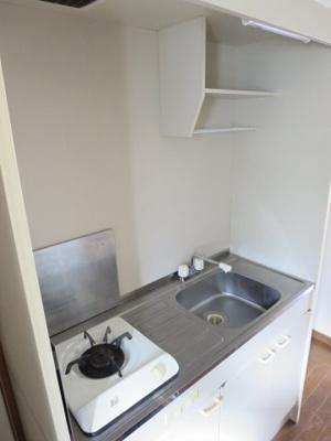 同間取り2階のお部屋のガスコンロ付キッチン