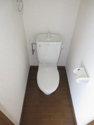 同間取り2階のお部屋のトイレ