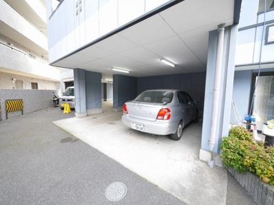 【駐車場】メイプルハウス
