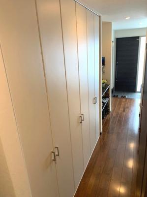 1階通廊部分の収納スペース