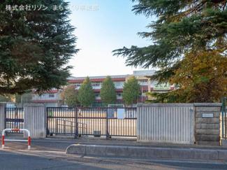 朝霞市立朝霞第一小学校 距離1040m
