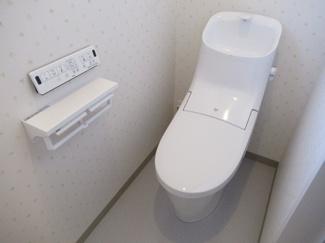 2階トイレ(節水便器・手洗付きロータンク・ウォシュレット一式)