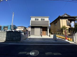 京成本線「京成八幡」駅徒歩14分の全2棟の新築一戸建てです。