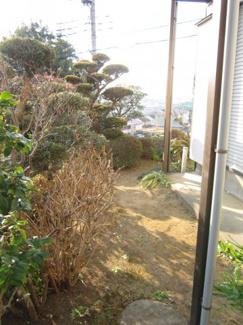 ≪お庭≫南西側に開放感があります。