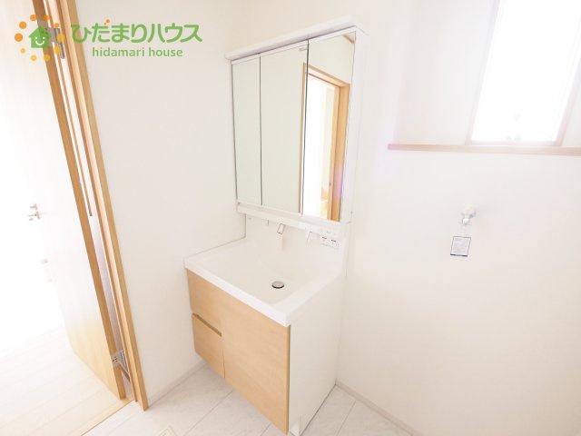 シンプルなデザインの洗面化粧台!(^^)!
