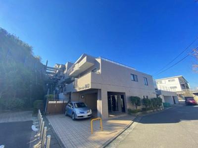 グリーンライン「高田」駅より徒歩10分!ペットOK♪ワンちゃん・猫ちゃんと一緒に暮らせる鉄筋コンクリートの7階建てマンションです☆