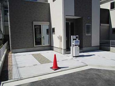 2021年2月に完成しました 駐車スペースもしっかりあります