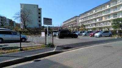 【駐車場】三浦海岸ハイツ15号棟