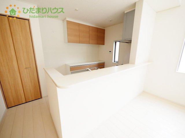 LDKと一体の空間を演出してくれる、オープンキッチン!(^^)!