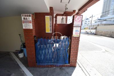 ニューライフ赤坂 ゴミ箱