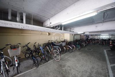 ニューライフ赤坂 駐輪場