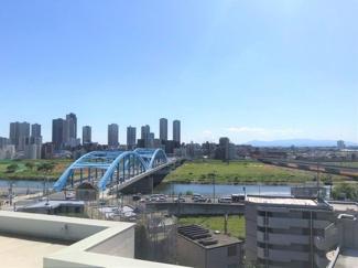 快晴時は富士山が望める屋上スペース