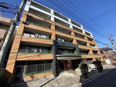 大型商業施設「アリオ西新井」まで徒歩圏内の立地です。