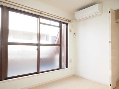エアコン新規4台設置済み、全室快適にお過ごしいただけます。