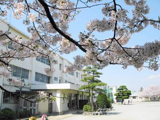 鶴嶺小学校