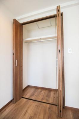 西側洋室5.6帖クローゼット