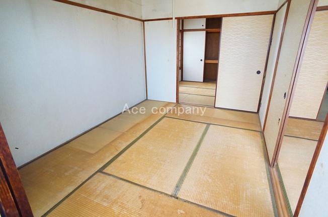 【和室6帖】現況、全居室と続き間になっています。