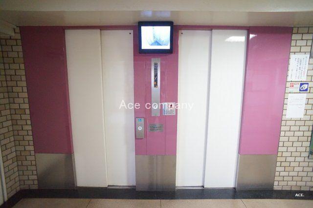 待ち時間短縮、エレベーター2基あります♪