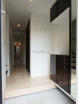 【玄関】狭山市中央4丁目・全1棟 新築一戸建 ~2階LDK20帖~