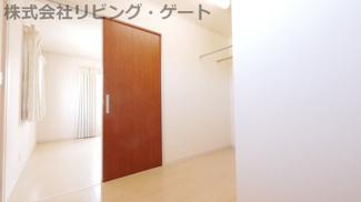 広い収納は部屋が片付きます