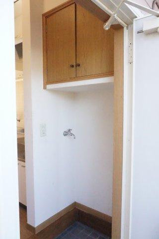 玄関靴箱、洗濯機置場