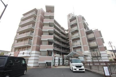 JR総武中央線「平井」駅徒歩圏内の立地。