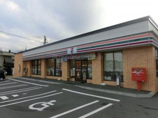 セブンイレブン札幌曙6条店徒歩3分(約240m)。