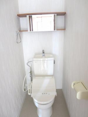 温水洗浄便座付きトイレ、2020年10月撮影