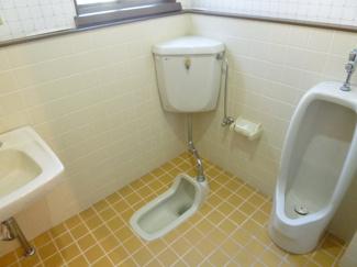 トイレは合計3ヶ所あります