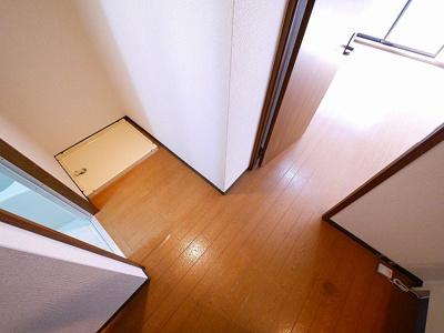 室内に洗濯機を設置できるスペースがあります