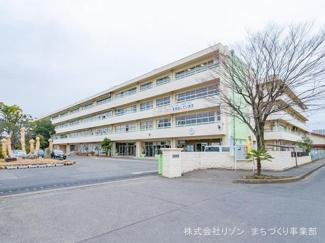 志木市立志木第二中学校 距離460m