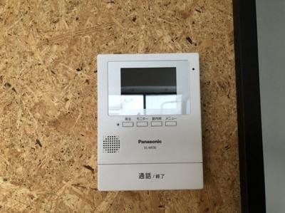 録画も可能なモニター付インターホン。