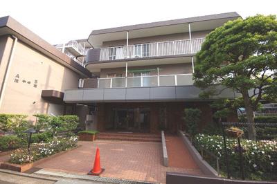 東京メトロ半蔵門線・都営新宿線「住吉」駅が最寄りのお住まいです。