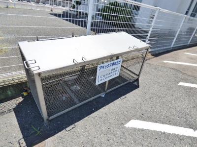 敷地内にゴミ置き場を設置しております