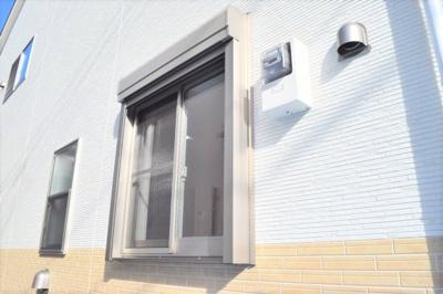 断熱・遮熱・結露防止・防音・防犯など、多くの効果を期待できる高機能なぺアガラスを全居室に採用!※同仕様写真