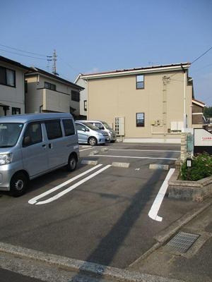 【駐車場】ホワイトダフネ